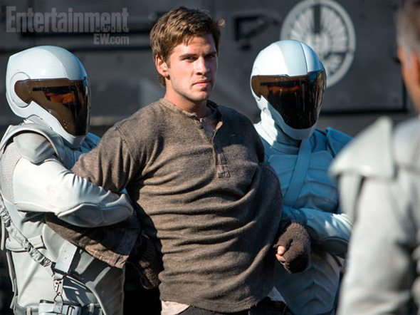 http://www.firstshowing.net/2013/two-more-photos-emerge-from-the-hunger-games-catching-fire/