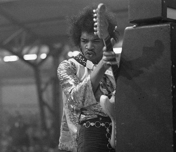 Foto: www.facebook.com/pages/Jimi-Hendrix/