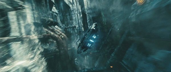 http://screenrant.com/star-trek-into-darkness-international-trailer/