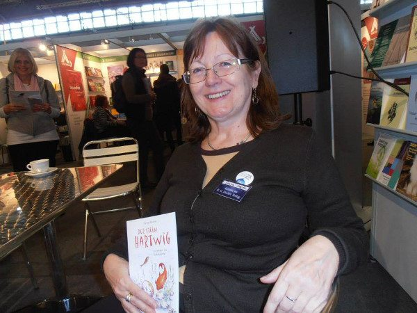 Foto: Pisci i književnost/ Sonja Smolec na sajmu knjiga u Frankfurtu, 2013.