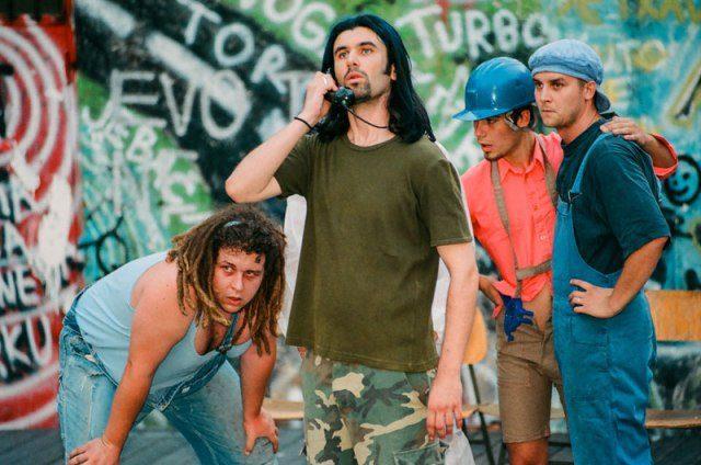Foto: www.ivicabuljan.com / predstava 'Baš beton i stupovi društva'