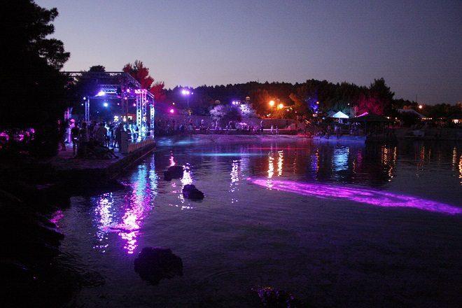 beach stage garden festival