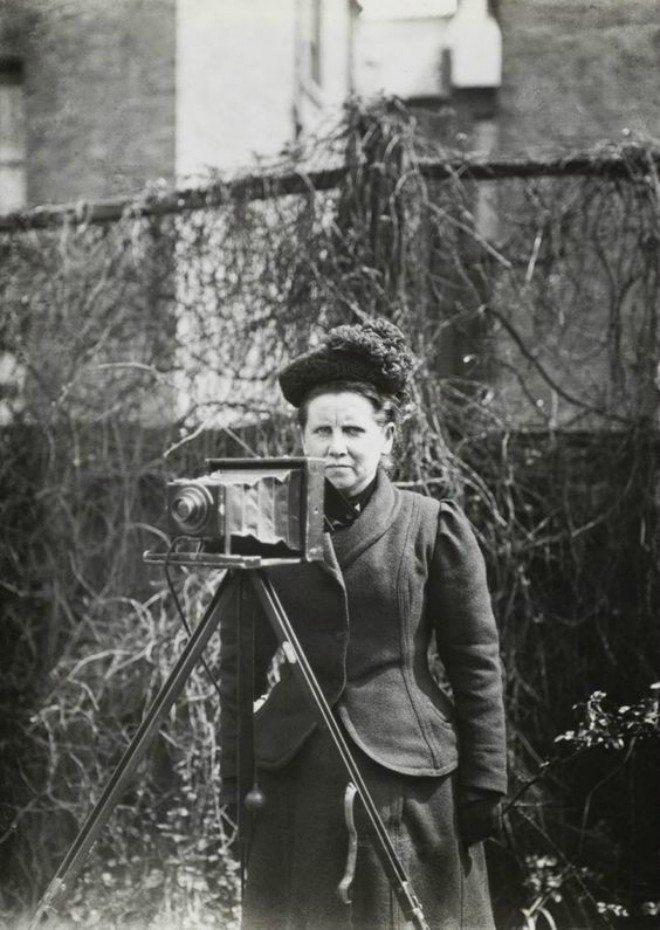Foto: pinterest.com/Coolclobber [fotografija Christine Broom, 1910. koju je uslikala njezina kći Winifred]