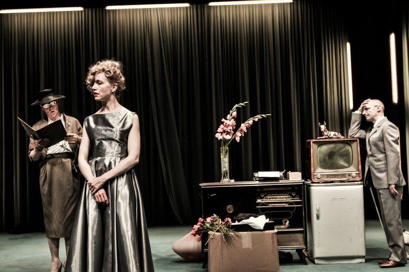 Foto: Arno Declair / www.schaubuehne.de